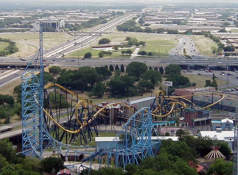 Mr. Freeze and Batman Six Flags Over Texas.jpg