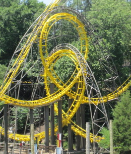 Interlocking loops - Coasterpedia