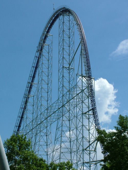 Millennium Force drop.jpg