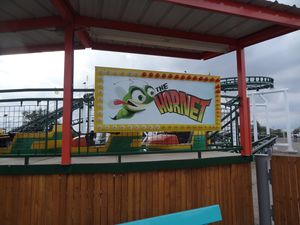Hornet (Wonderland Amusement Park) sign.jpg