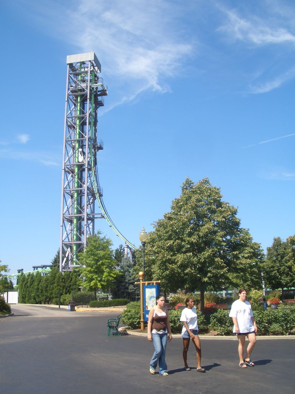 Mr. Hyde's Nasty Fall (Geauga Lake) 2005 01.jpg