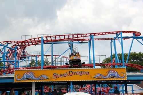 Steel Dragon (Waldameer) 2012 03.jpg
