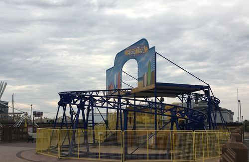Hang Ten Fantasy Island Amusement Park 02.jpg