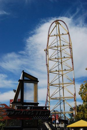 Top Thrill Dragster top hat and sign.jpg