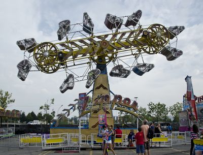 Zipper (North American Midway Entertainment) 2012 Canadian National Exhibition.jpg