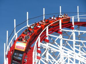 Giant Dipper (Santa Cruz Beach Boardwalk) 2014 01.jpg